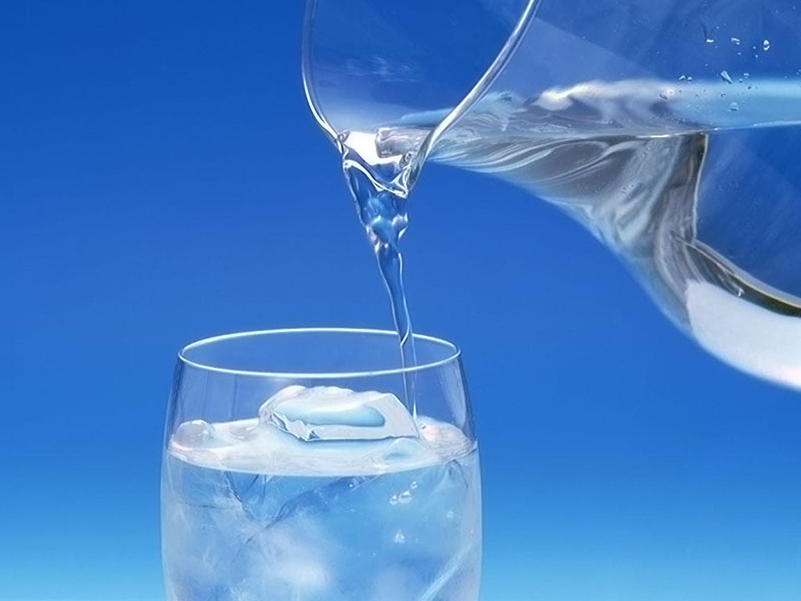 Great legs require hydration: Drink up the benefits of water!