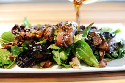 Sizzling Summer Salads: Flank Steak Salad with Vinaigrette